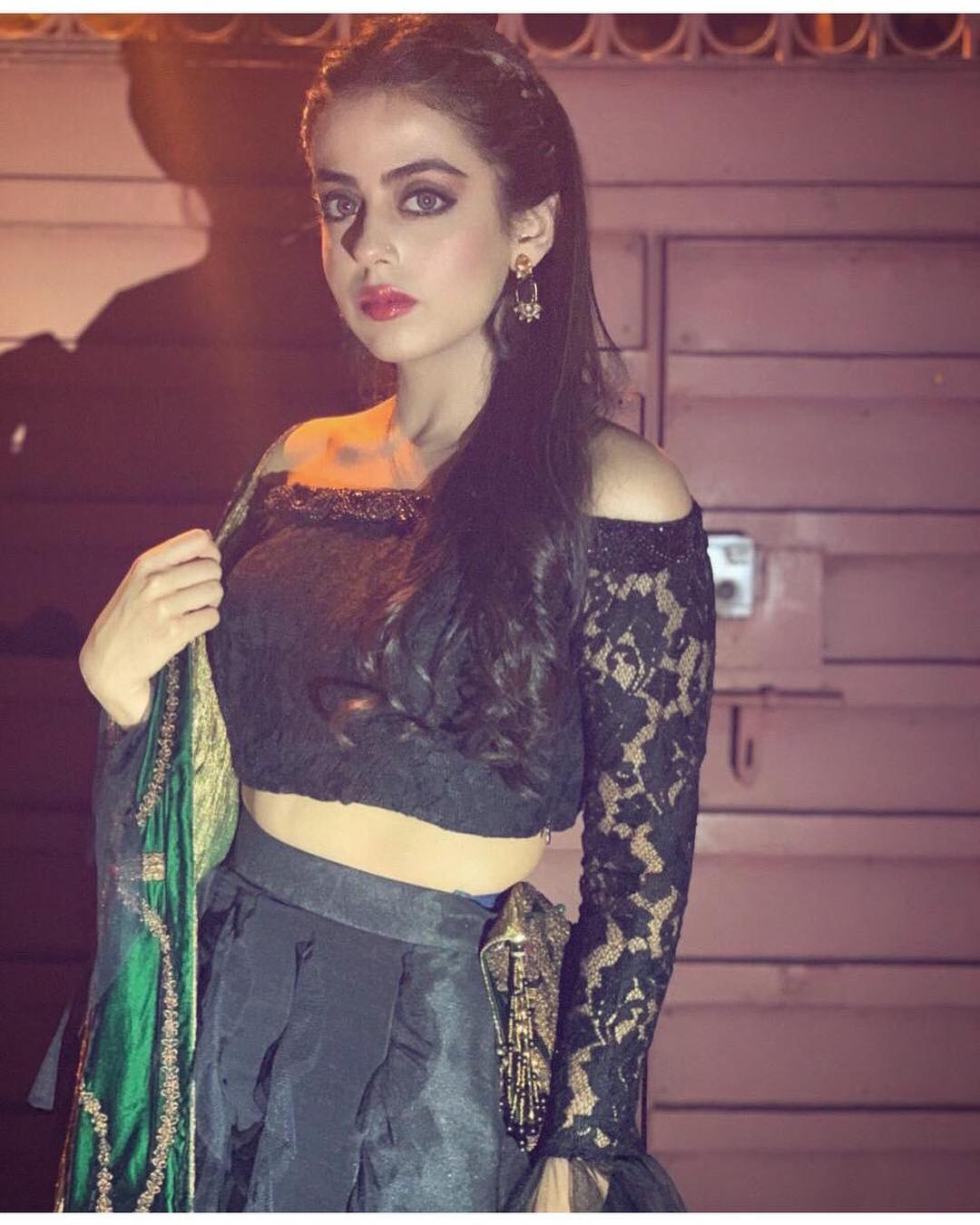 Latest Pictures Of Yashma Gill In Turkey Pakistani Drama