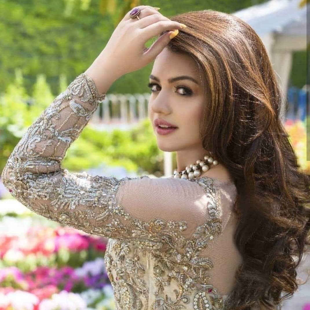 Zara Noor Abbas Looking Gorgeous In Her Latest Photoshoot Pakistani Drama Celebrities