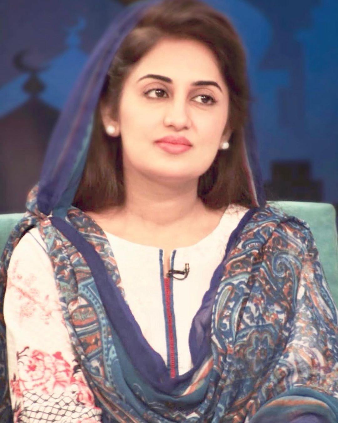 Iqrar Ul Hassan Wife Farah Iqrar In Aaj Tv Ramzan