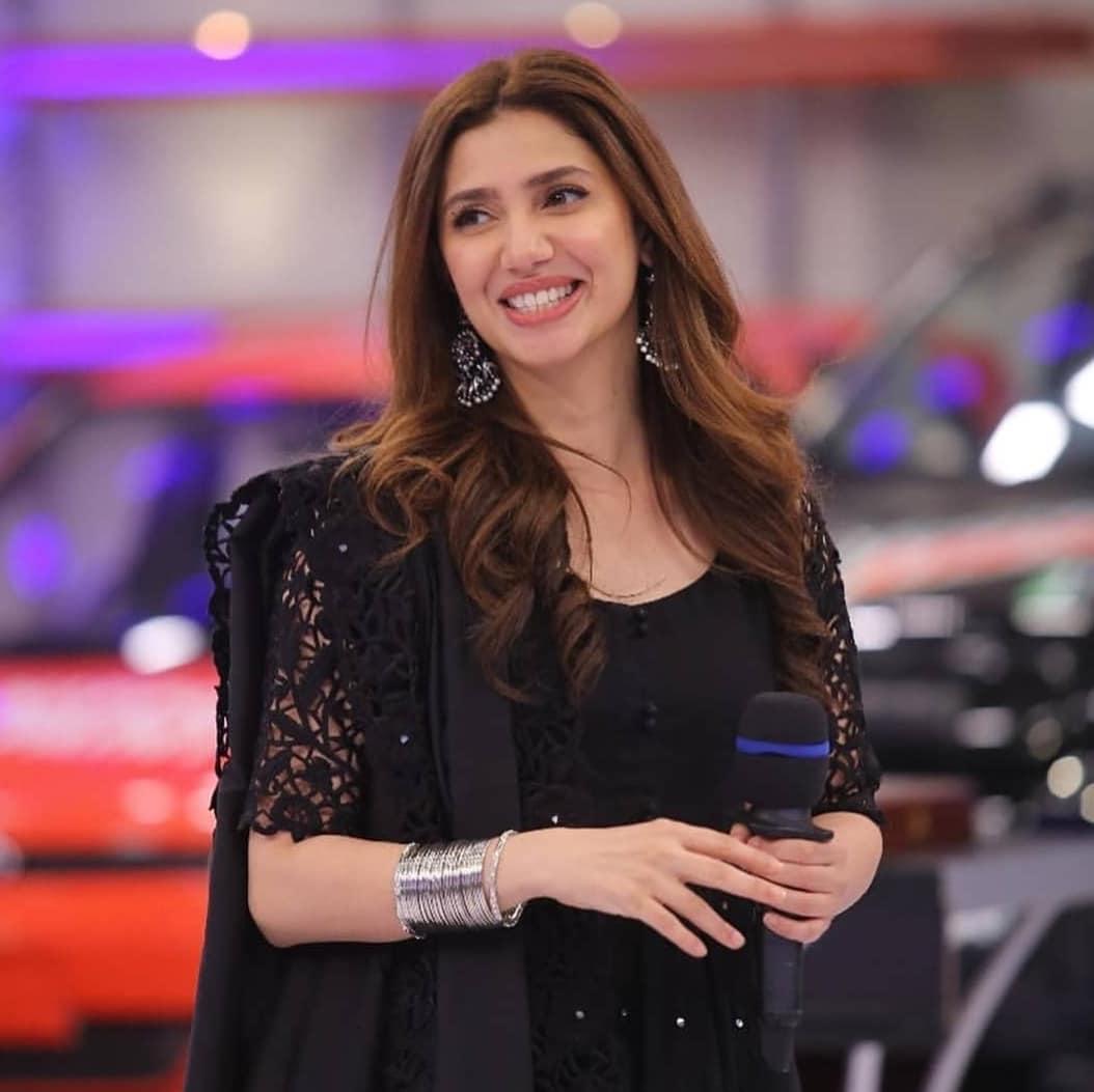 Gorgeous Mahira Khan With Cute Ahmed Shah In Jeeto Pakistan Pakistani Drama Celebrities