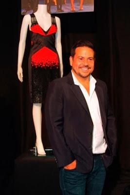 Narciso Rodriguez en el año 2009 durante la instalación de una retrospectiva en su honor presentada en el Hotel Caribe Hilton de San Juan.