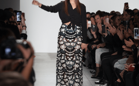 Stella Nolasco y su moda como mejor lenguaje para alzar su voz