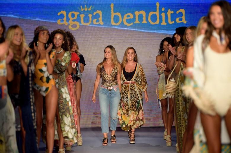 Agua Bendita Cover Fashion Vitrine