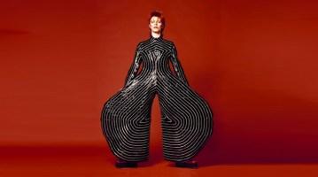 David_Bowie_photo_by_Masayoshi_Sukita_courtesy_of_V_and_A