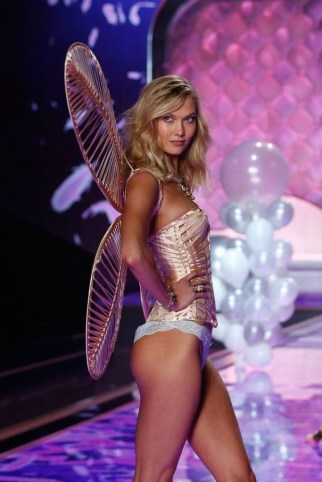 Karlie Kloss VS Fashion Show 2013