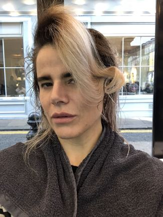 Pixie Tenenbaum at SHOW DRY Notting hill during London Fashion Week FW18 side view