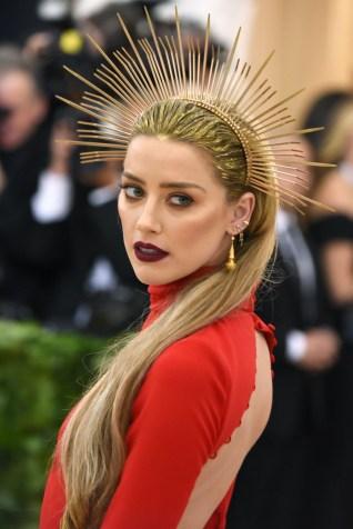 close up of Amber Heard's makeup and hair look at the 2018 Met Gala