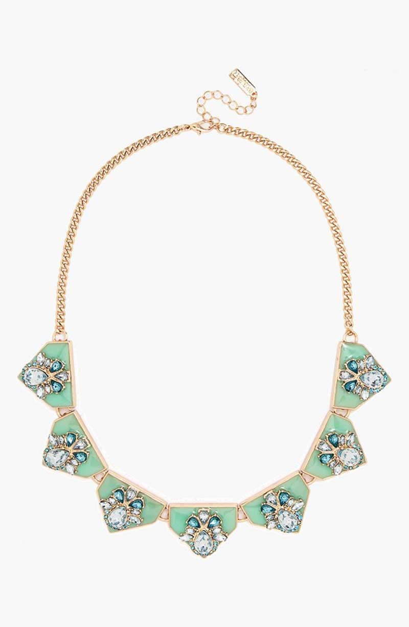 Wide Tab with Embellishment Collar_$46_Item 446434