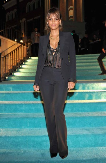 BEVERLY HILLS, CA - OCTOBER 13: Actress Halle Berry attends Tiffany & Co.'s unveiling of the newly renovated Beverly Hills store and debut of 2016 Tiffany masterpieces at Tiffany & Co. on October 13, 2016 in Beverly Hills, California. (Photo by Donato Sardella/Getty Images for Tiffany & Co.)