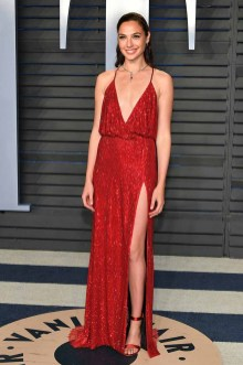 BEVERLY HILLS, CA - MARCH 04: Gal Gadot attends the 2018 Vanity Fair Oscar Party hosted by Radhika Jones at Wallis Annenberg Center for the Performing Arts on March 4, 2018 in Beverly Hills, California. (Photo by Dia Dipasupil/Getty Images)
