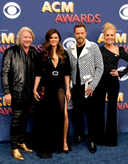The 53rd Academy of Country Music Awards red carpet is held at the MGM Grand Garden Arena on the Las Vegas Strip. Here Phillip Sweet, Karen Fairchild, Jimi Westbrook and Kimberly Schlapman collectively known as Little Big Town walk the ACM red carpet. Sunday, April 15, 2018. CREDIT: Glenn Pinkerton/Las Vegas News Bureau