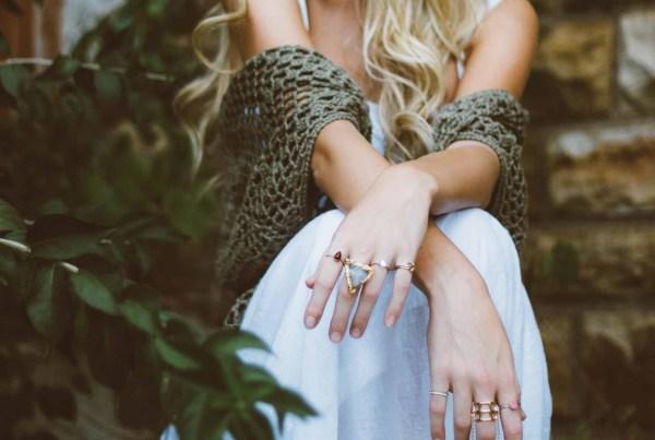 jewelry-brooke-cagle-kElEigko7PU-unsplash