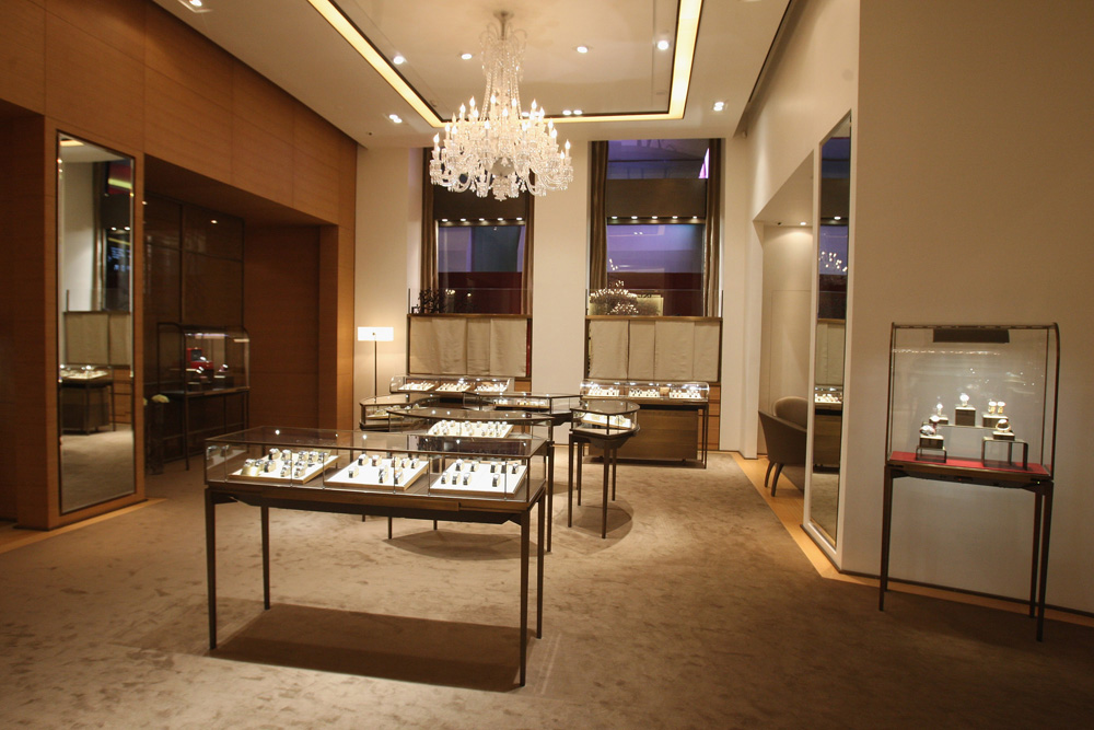 Cartier inaugurates flagship store in dubai for Boutique one dubai