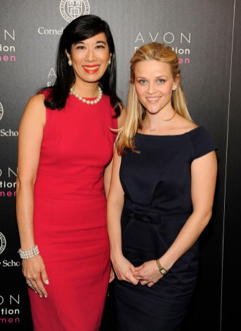 Reese Witherspoon (R) and Andrea Jung (L)