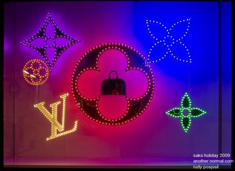 saks_holiday_2009_w01