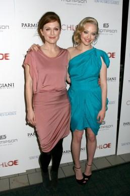 Julianne Moore (in Calvin Klein), Amanda Seyfried