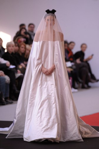 alexis-mabille-hc-ss-2010_044