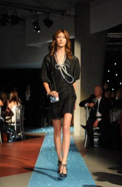 Amanda Hendrick on the catwalk