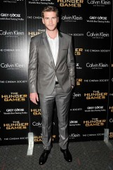 calvin-klein-collection-cinema-society-hunger-games-hemsworth-032012_ph_neil-rasmus-bfa-nyc-com