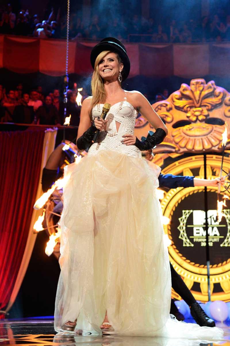 Heidi Klum Showcases Versace At 2012 Mtv European Music Awards