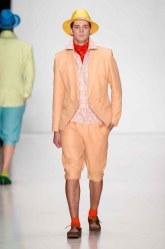 """SLAVA ZAITSEV Pret-A-porter De Luxe"" : Mercedes-Benz Fashion Week Russia S/S 2014"