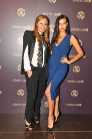 Irina_Shayk_in_RC_con_Eva_Cavalli_Roberto_Cavalli_opening_boutique_2014_02_22_Milan