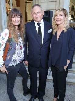 Caroline de Maigret & John Demsey & Nathalie Dufour