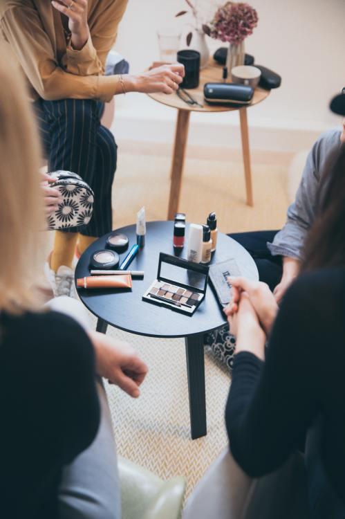 ventajas y desventajas de un curso de automaquillaje online