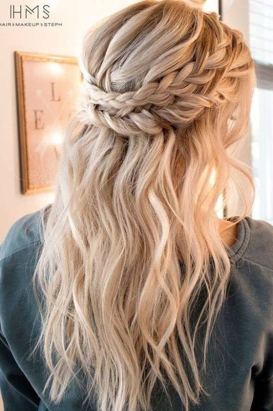 Cute Hairstyles For High School and University Students - FashLovs