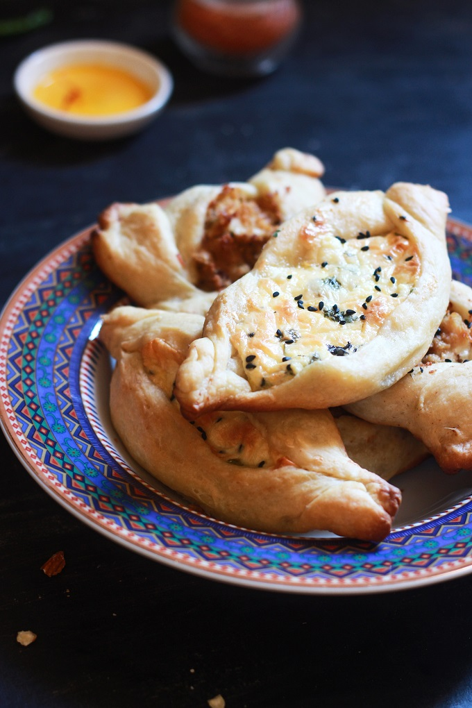 Cheese Fatayer recipe with fatayer dough recipe. A quick, simple and easy to follow cheese fatayer recipe from scratch.