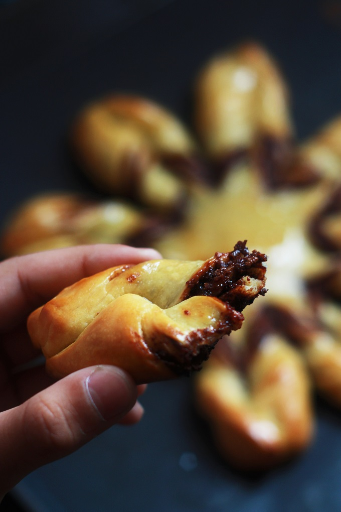 Braided Nutella Star Bread with Step by Step Instructions. Want to make someone's day special? Bake them some nutella bread! A lovely looking bread which will make anyone's heart melt just by looking at it.