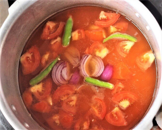 green chili, onion added in chana dal in pressure cooker