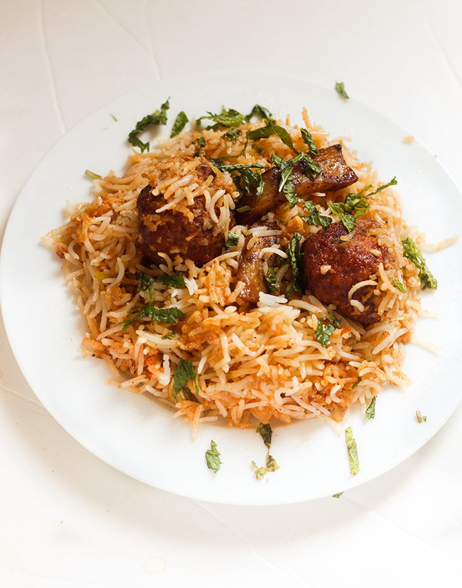 Pakistani Kofta Biryani recipe or the meatball biryani can be made with any kind of mutton mince. You can try with chicken, lamb or even beef.
