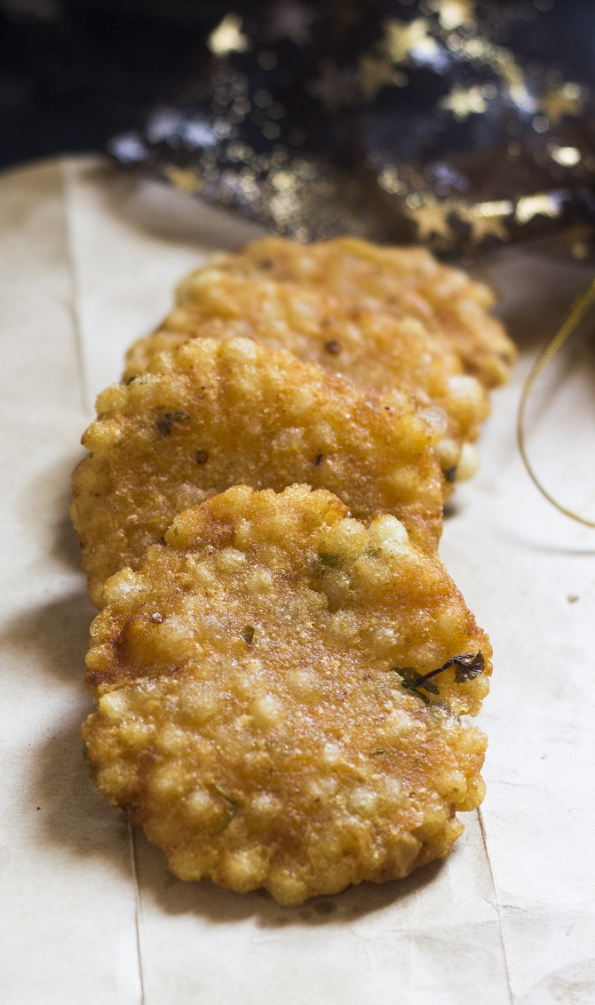 Javvarisi Vadai or the Sabudana vada is made with the sago or the tapioca pearls. These irresistible snacks are truly scrumptious. Javvarisi is nothing but the tapioca pearls in Tamil.