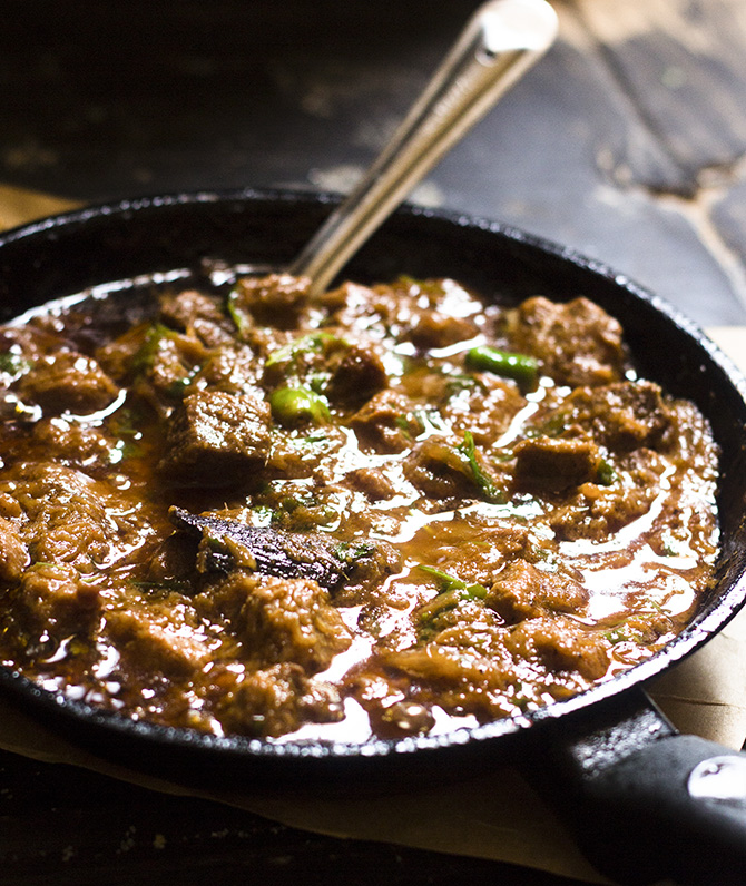 Balti Gosht Recipe, Pakistani Balti Mutton recipe is a delicious mutton preparation that is served in a wok that is called as balti.
