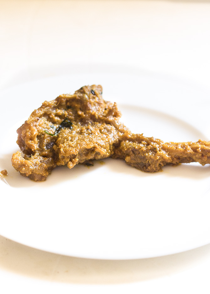 Mutton Chaap Recipe, Pakistani or Mutton Chops Fry is a delicious fry recipe make with the lamb ribs. This is truly a simple yet delicious recipe that truly infuses the flavor into the lamb ribs.