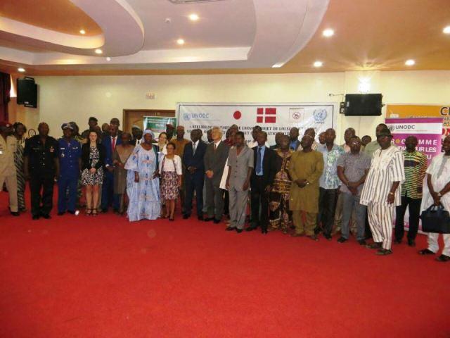 Les participants a la conférence de presse