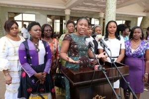 La DG des opération du groupe Allianz pour l'Afrique, Mme Delphine Maidou Traoré, lance un vibrant appel aux femmes à s'inscrire sur la plateforme, afin de soutenir les jeunes filles au leadership