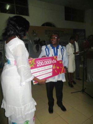 Le 2e prix décerné à madame Simone Zoundi