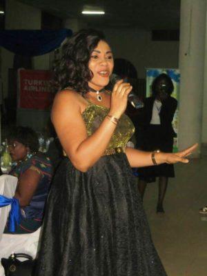 L'artiste musicienne Maria Bissongo