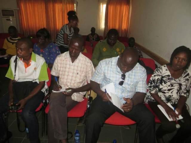 Les journalistes ont suivi avec attention le déroulement du programme
