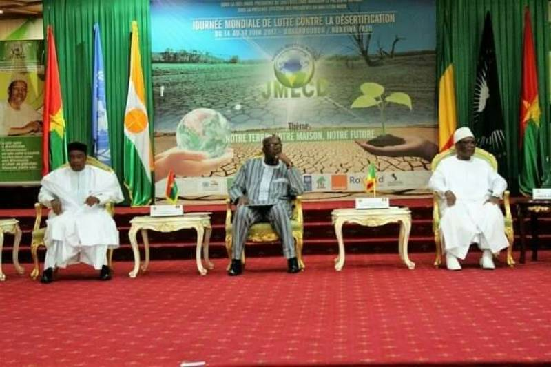 Le Président Rock Marc Christian Kaboré accompagné des Présidents Malien et du Niger