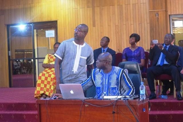 Le ministre Smaila Ouedraogo procédant au lancement du site web de la jeunesse.