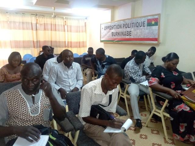 Les participants à la conférence de presse