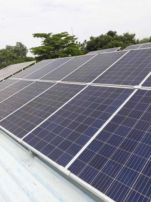 Burkina-Essakane-SA-CHR-dori-énergie-solaire