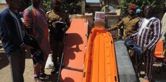 PÔ- l-association- Zena- Dam- offre –du- matériel- scolaire- et -des -vivres -aux –élèves- nécessiteux