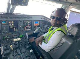 """le -métier- de- pilote- de -ligne -""""c'est- un- travail- plein- de- contraintes""""- dixit -Abraham- Sanon -pilote -de- ligne -à -Air -Burkina"""