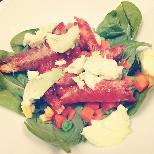 Mackerel, Avocado & Vegetables