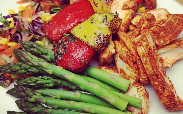 Recipe: Mexican Chicken, Grilled Peppers & Asparagus