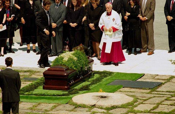 Hannan at Jackie O funeral